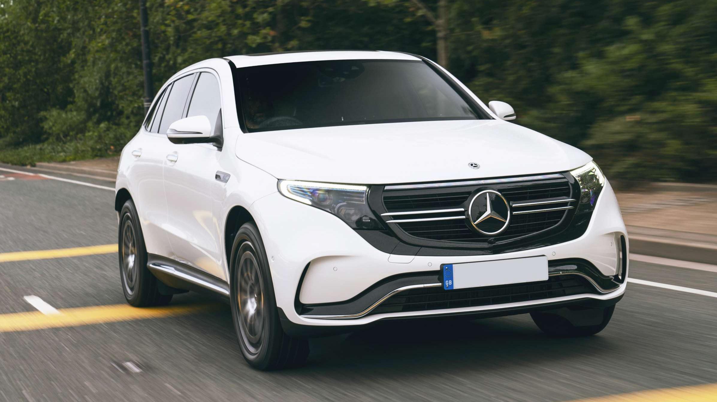 Large-33572-Mercedes-BenzEQC (1)